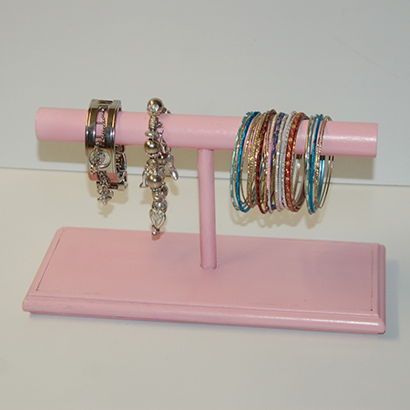 The second bangle holder was painted with Rust-Oleum 2X spray paint in Sweet Pea. This design is perfect for a princess, whether little or grown up, and provides plenty of hanging space for all your bangles and bracelets.
