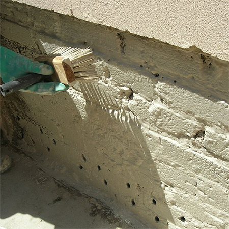 6. To plaster the wall combine 1 part water-repellent cement, 3 parts clean plaster sand and 1 part clean river sand. Only add enough water to obtain a plaster (thick porridge) consistency.