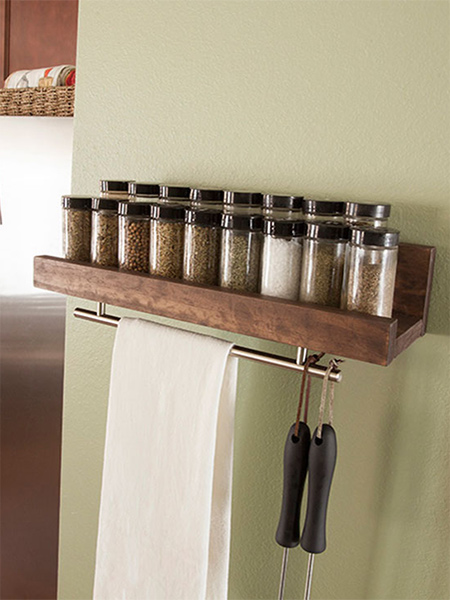 Very easy to make, you can use pine offcuts, or buy a narrow length of laminated pine at your local Builders Warehouse, to make this decorative wooden spice rack