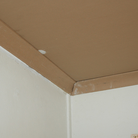Gypsum cornice can be attached to the walls using concrete nails or a construction adhesive. For polyurethane cornice, use an adhesive specifically formulated for this product