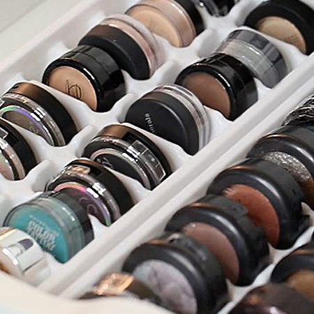 Another area that soon becomes disorganised is your makeup drawer. But you can quite easily organise this using ice cube trays