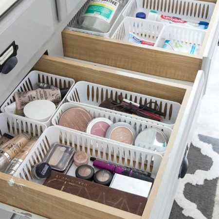 Another area that soon becomes disorganised is your makeup drawer. But you can quite easily organise this using small baskets.