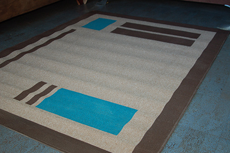 I prefer to use Rust-Oleum spray paint for painting rugs because there are so many readily available colour options that can be found at your local Builders Warehouse