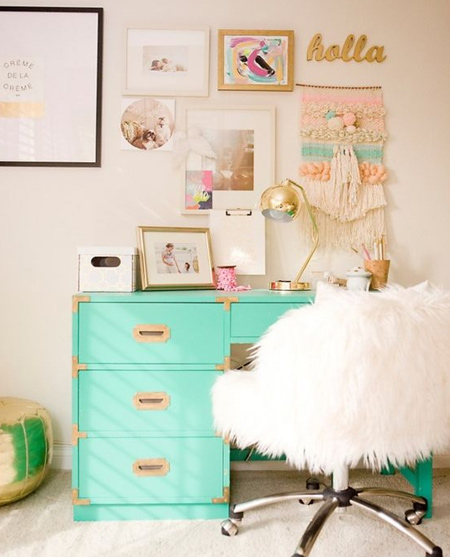 beautiful home office ideas - white with a splash of turquoise