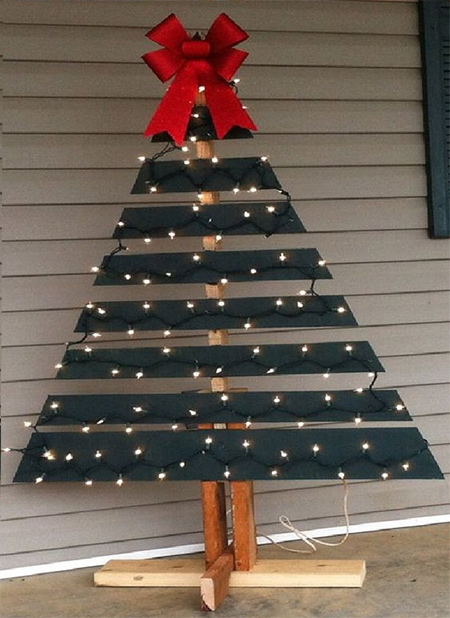 Pallet Wood Christmas Tree.Home Dzine Home Diy Reclaimed Wood Pallet Christmas Trees