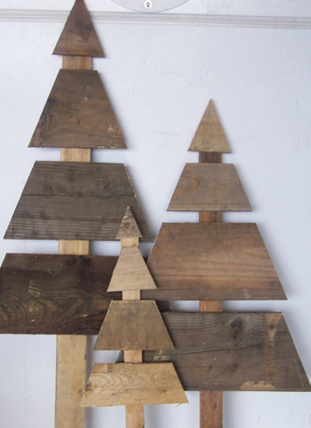 wood pallet christmas trees to DIY