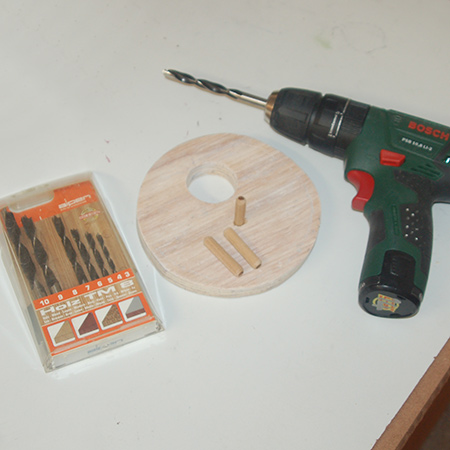 Use an 8mm drill bit and dowel to add a small perch