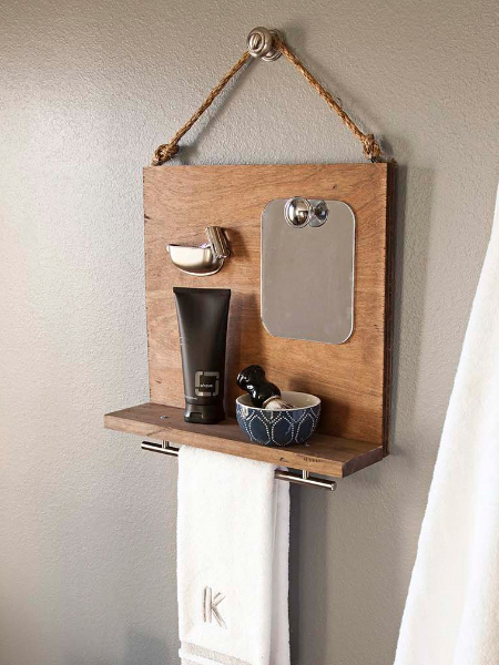With Christmas not far away, here's an easy project for the DIY Kids. This shaving station is the perfect gift for dad and it's easy to make from a couple of offcuts. Finish off the assembled board with a cup handle and long handle.