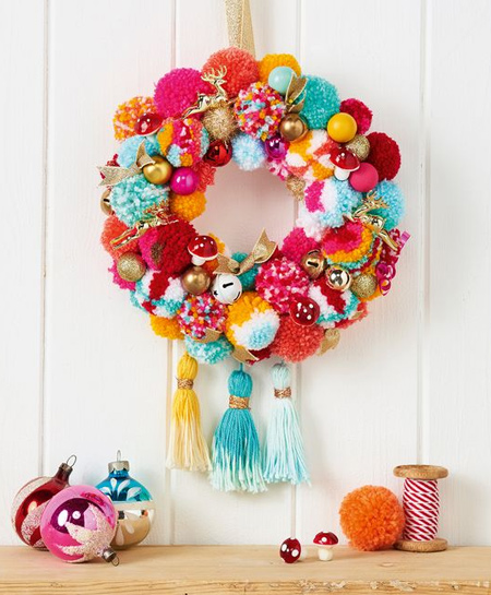 Pom-poms are so easy to make and you can use colourful yarns to create a wide range of holiday and decor accessories.