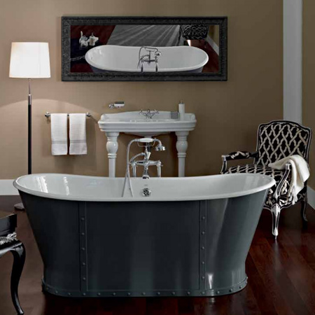Freestanding bathtubs are no longer considered suitable only for vintage or traditional bathrooms - they suit any decor style and fit into modern and contemporary homes. And a free-standing cast iron claw foot bathtub that doesn't need to be installed against a wall gives you even more freedom to design the perfect bathroom.
