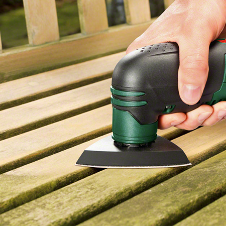 With a multifunction tool you can easily make detailed cuts in laminate flooring, trim doors, frames or skirting boards.