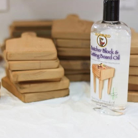 Finish off your vintage cutting board with Howard's Butcher Block and Cutting Board Oil. You can buy this from www.hardwarecentre.co.za or www.tools4wood.co.za. Or get in touch with www.vermontsales.co.za to find your nearest retail stockist.