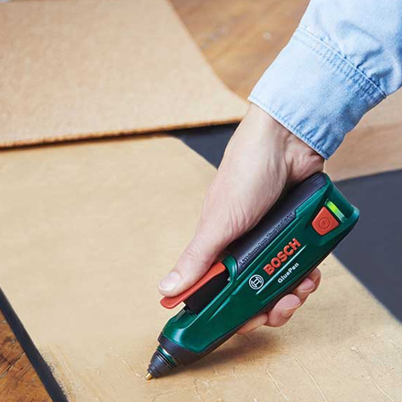 The Bosch cordless Glue Pen is ideal for household, hobby and DIY projects and is easy to use. Simply insert a glue stick, switch on to heat up the glue, and after only 15 seconds you can start gluing. Use the Bosch hot glue pen to glue paper, cardboard, textiles, leather and cork. Wood, metal, plastic and even stone can also be cleanly and precisely fixed with the Glue Pen.
