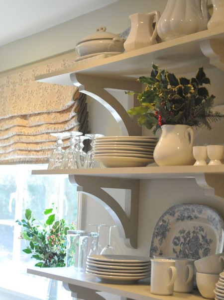 Plain or decorative, making your own shelf brackets not only saves you money - you can choose your own design and paint as desired.