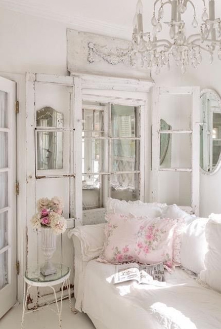 Use Shabby Chic onlays and embellishments to add the perfect finishing touch to your DIY Shabby Chic furniture, or when renovating or restoring Shabby Chic pieces.