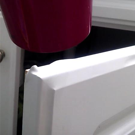 HOME DZINE Kitchen | Remove foil / vinyl wrap from kitchen ...