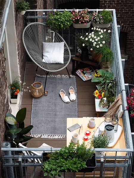 set up a romantic terrace
