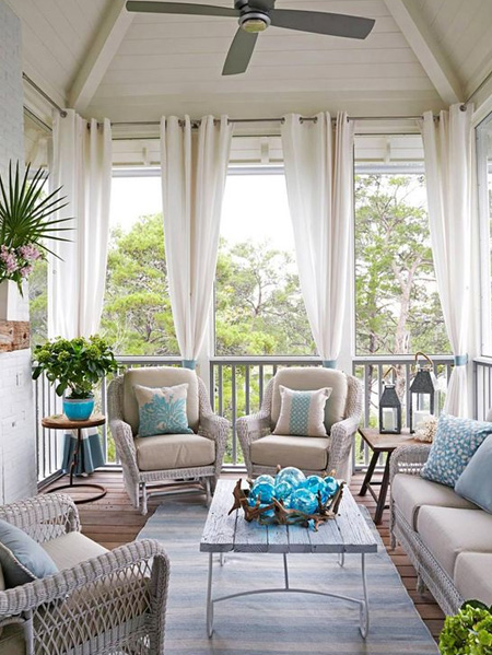 HOME-DZINE | Outdoor Rooms - Whatever the size of your deck, it's the finishing touches that make all the difference. Curtains, drapes or a simple window treatment to hang from ceilings create a wonderful atmosphere and an almost seamless integration of indoor and outdoor spaces. Hanging curtains is also an easy way to provide shade for a deck or patio.