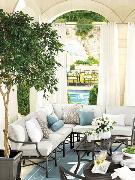 HOME-DZINE | Outdoor Rooms - Some homeowners are fortunate enough to have generously sized outdoor spaces, and these can present their own special kinds of design challenges - it can be difficult to find furniture that isn't dwarfed by the size of the outdoor area.