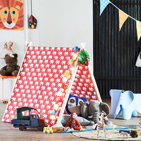 HOME-DZINE | Craft Projects - A great gift for a young child, or a wonderful way to occupy them in the holidays, make this DIY play tent.