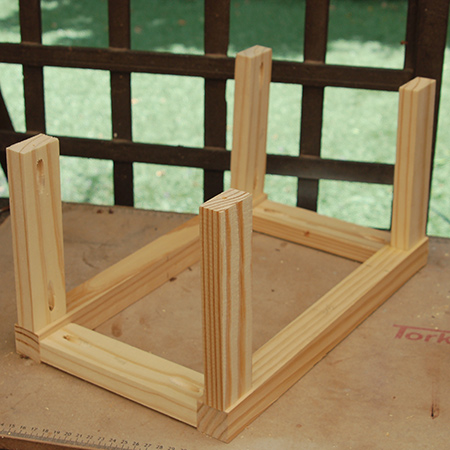 5. With the front and back frames assembled, you can add the side cross pieces in the same way.