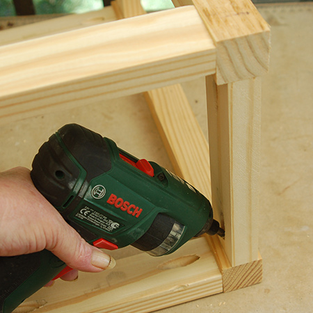 6. It was difficult to get my drill / driver into the frames to drive in the last screw, so I used my Bosch PSR cordless screwdriver. If you don't have a cordless screwdriver you can use a manual screwdriver.