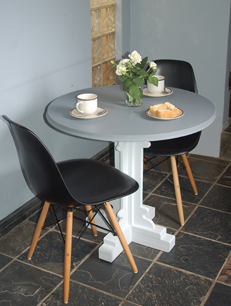 Here's how to make a pedestal dining table or side table using pine and supawood that you can buy at your local Builders Warehouse. Finishing it off in shades of grey with Prominent Paints Premium Satin Silk.