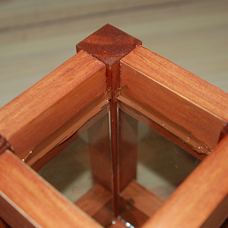 GOOD TO KNOW: The glass panes should be around 2mm narrower than the width of the cross pieces for whatever size lantern you are making.