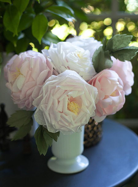 Whether it's peonies, wildflowers, crepe or tissue paper roses or chrysanthemums, click on links within this article to view step-by-step tutorials for making your own crepe paper flowers.