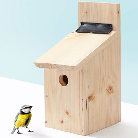 I love to sit in the garden and watch the bird life. Adding a birdhouse is a wonderful way to attract regular visitors to your garden, and this birdhouse is easy to make.