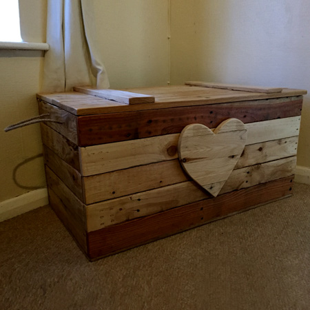 If your pallet wood is not aged in different shades, you can use Woodoc Gel Stain on the individual planks to create the patchwork effect as shown here for the toy box.Use Woodoc 5, 10 or 20 Interior Sealer to finish off the completed toy box.