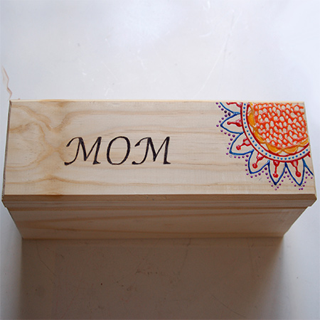 Make a wood box for Mother's Day using plastic paint and a Dremel VersaTip woodburning soldering iron