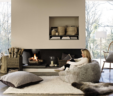 If there is one thing that the Danes excel at above all else, it's staying warm and comfortable and still managing to be a global trend setter. This year, it seems that hygge (pronounced hooga) is trending, as countries look to embrace hygge in their life and their home.