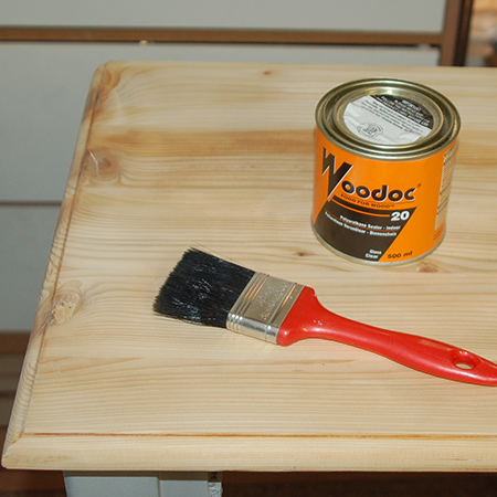 To finish off I always prefer to use a Woodoc Sealer. Unlike varnish that sits on top of the wood, sealer is absorbed into the cells of the wood to nourish and protect. For the dresser I applied Woodoc 20 Polyurethane Sealer, which provides a finish that is resistant to water and acohol, and also protects against scratches.