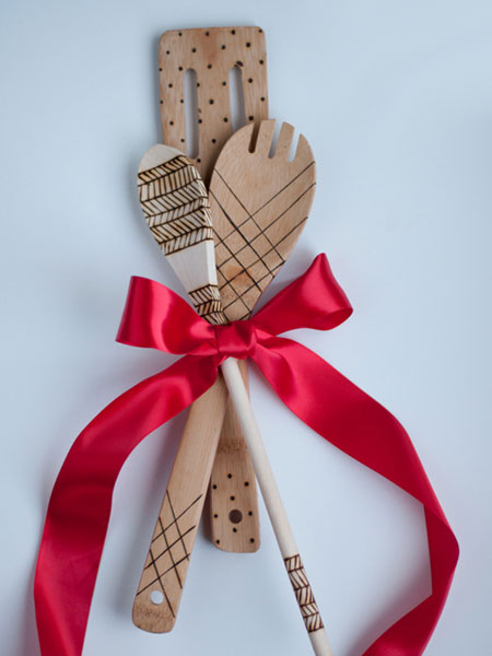 HOME-DZINE | Dremel Tools - These decorative wooden spoons are an excellent gift idea that are easy and affordable to make using a Dremel VersaTip soldering iron.