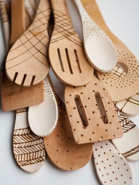 HOME-DZINE | Dremel Tools - Cross-hatch, dots, arrows and designs are easy to burn onto wooden spoons, and with a bit of practice beforehand, you will soon be crafting a selection of woodburnt wooden spoons.