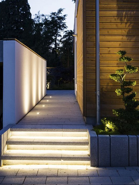HOME-DZINE - Garden Lighting - See the collection of outdoor lighting products at your nearest Builders - or buy online.