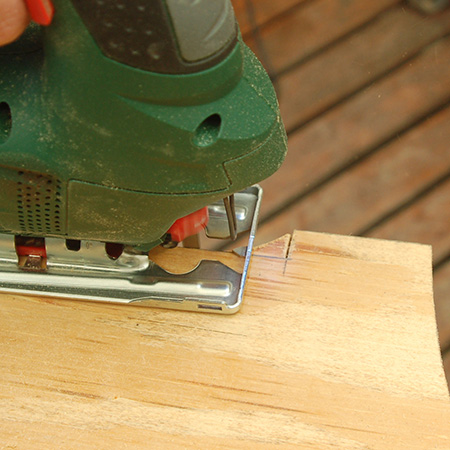 GOOD TO KNOW: You can easily cut out the finger joints using a jigsaw.