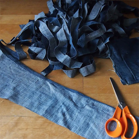 Make your own Rag Rug with old jeans