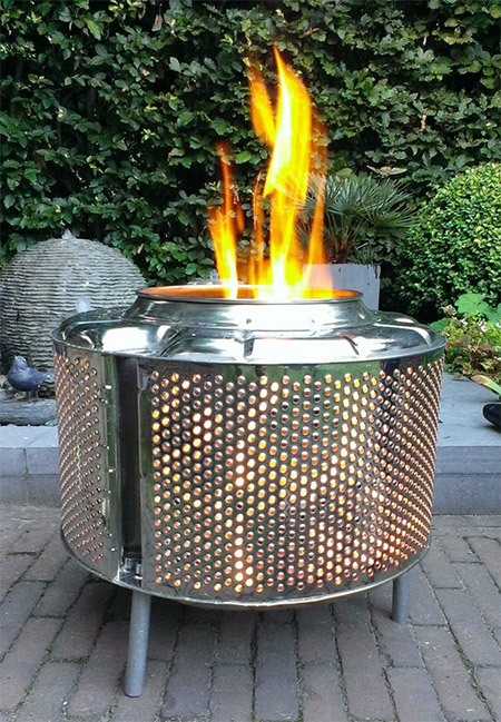 Here's an easy way to turn a washing machine drum into a fire pit or brazier to keep you warm on chilly evenings outdoors.