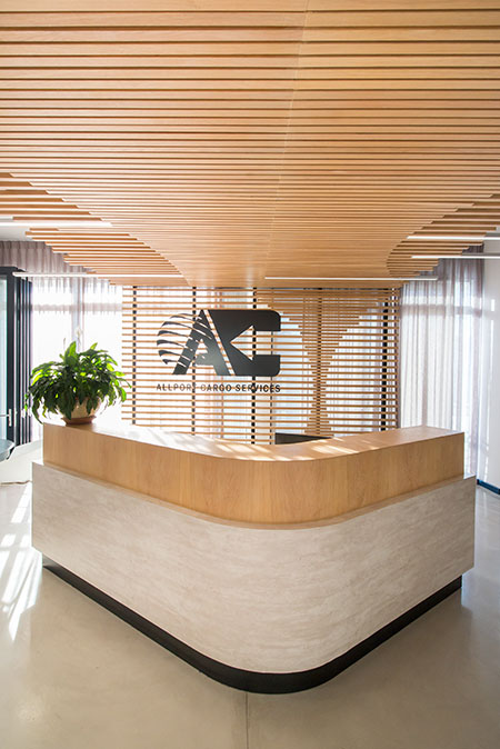 HOME-DZINE | Interior Design - Inhouse Design -  Inhouse made use of several key elements that generate an immediate impression of the brand identity as soon as guests enter either floor and allow visitors to instantaneously distinguish the offices from others in the building.