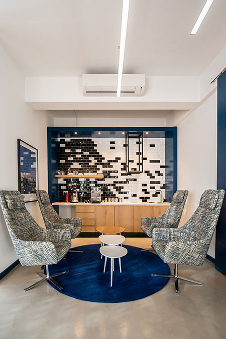 HOME-DZINE | Interior Design - Allport offices - These elements include a colour scheme of blue, white and black, which correlates to Allport Cargo Services South Africa's corporate colours.