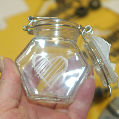 HOME-DZINE | DIY Divas Workshops - Using a Dremel Multitool and silicon carbide grinding stone (84922) we engraved hearts on small, glass storage jars to give as gifts or keep.