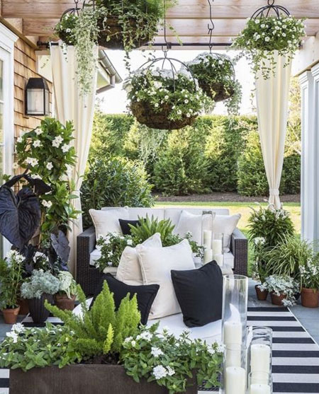 HOME-DZINE | Outdoor Entertaining - Adding potted containers to your outdoor space helps the area feel cohesive with nature. Ask at your local garden centre if you need advice on what plants are perfect for your local climate.