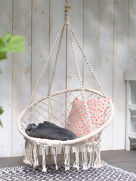 HOME-DZINE | Craft Projects - Indoors or outdoors on a patio or deck, a hanging chair is just the thing for relaxing on a hot day. Make your own macramé hanging chair and hang in a corner or shady spot for a place to relax with a good book or glass of chilled wine.