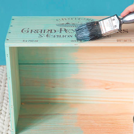 paint your wooden wine crates
