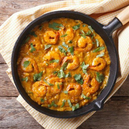 And of course you will be able to sample a variety of spicy curry dishes that incorporate distinctive local spices and used in both prawn and chicken dishes.