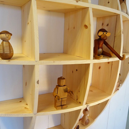 knick knack shelf