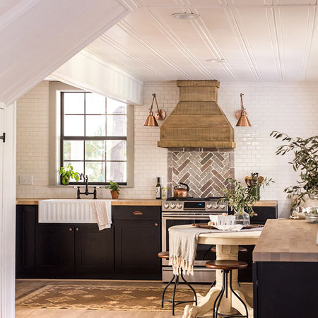 open design provides for a spacious kitchen