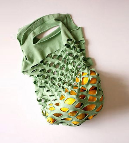 Using old t-shirts to make carrier bags